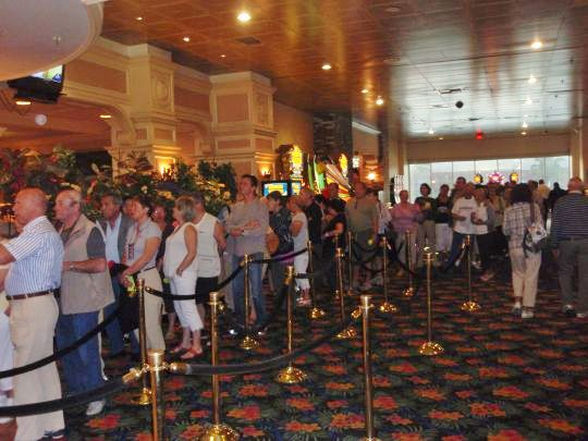 08-155 - Queue pour restaurant a Laughlin